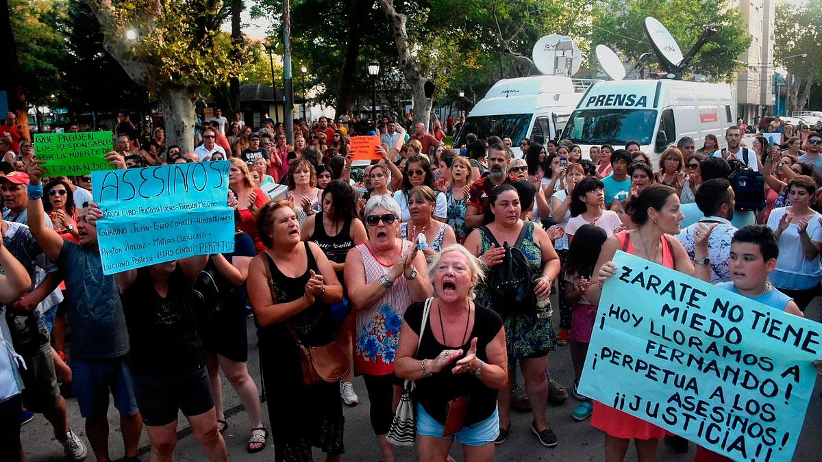 Marcha en Zárate pidiendo justicia por Fernando y en apoyo a Pablo Ventura