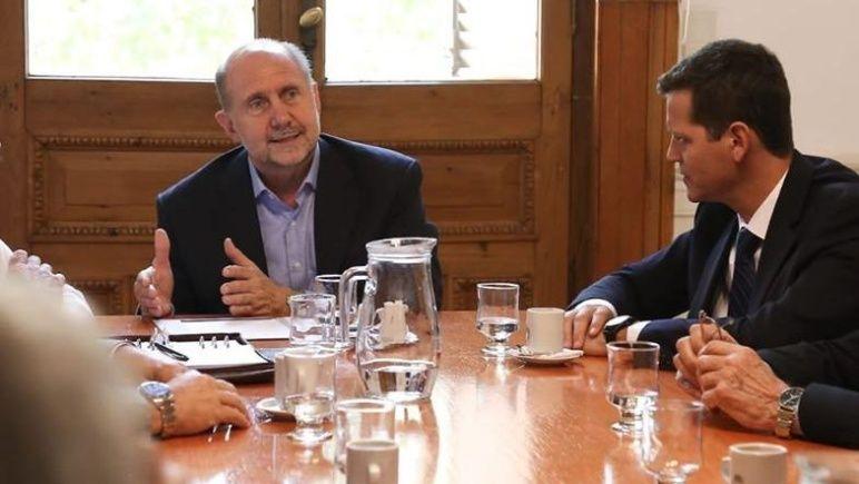 Perotti firma con la Nación el acuerdo por la Tarjeta Alimentaria