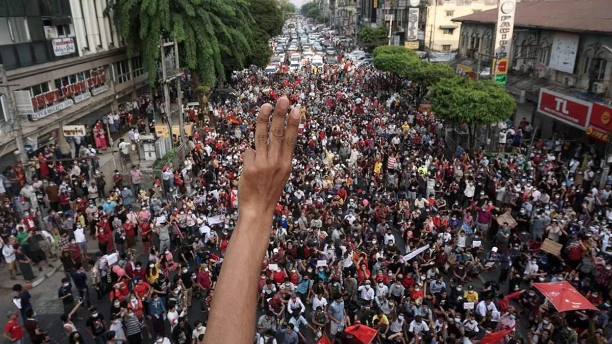 protesta-contra-golpe-Myanmar