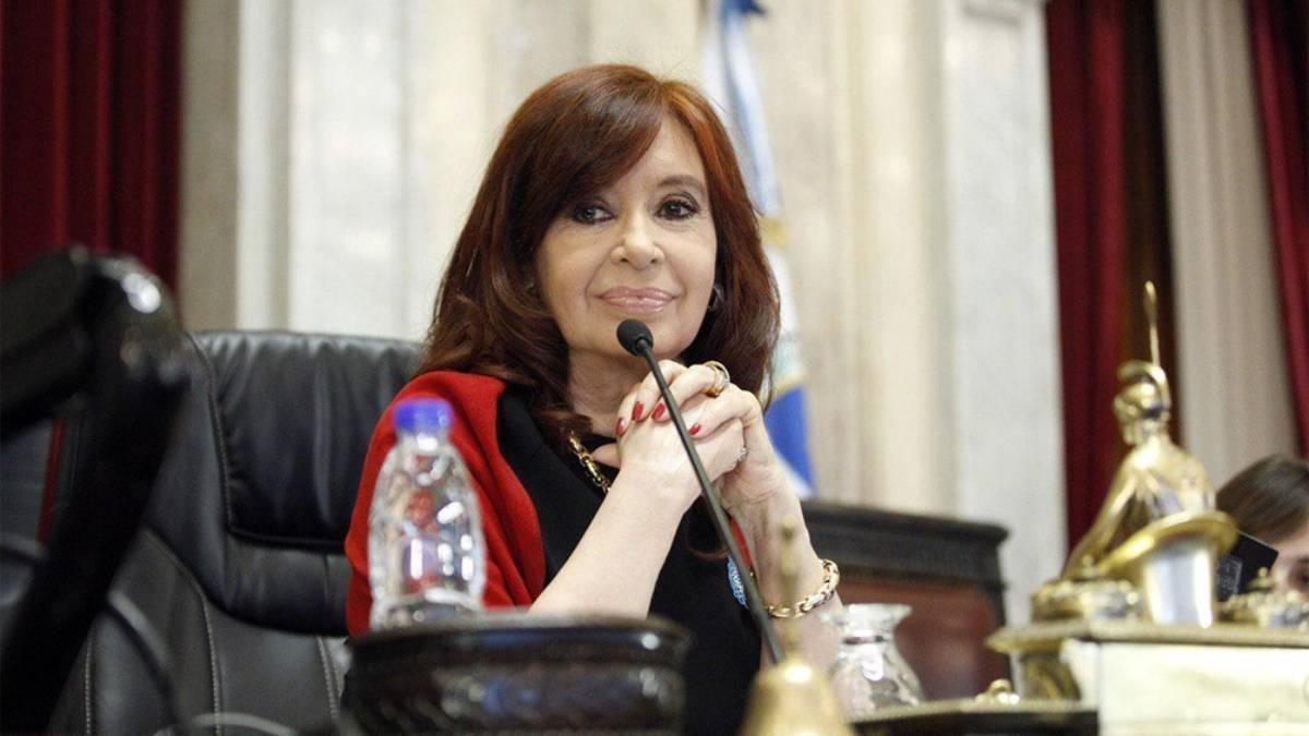 Cristina: «No sé si reírme por Macri dando clases o llorar por su burla a  la Justicia» – Con La Gente Noticias
